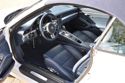 Lederen interieur reinigen for Interieur reinigen auto