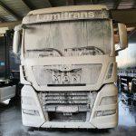 vrachtwagen reinigen